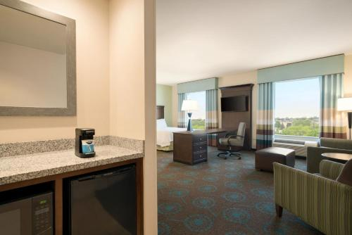 Delaware Hotels: Hampton Inn & Suites Wilmington Christiana.